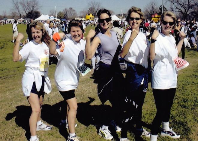 Five woman team named AmazonWomen.com finishes Motorola Marathon.