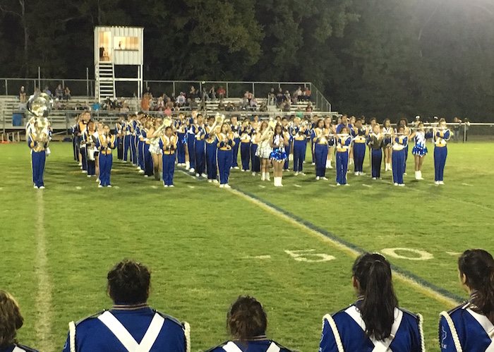 Carlisle Indian band performs at 2016 homecoming halftime